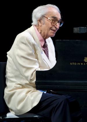 O pianista e compositor de jazz Dave Brubeck em foto de 2009. Brubeck morreu nesta quarta (5), de insuficiência cardíaca