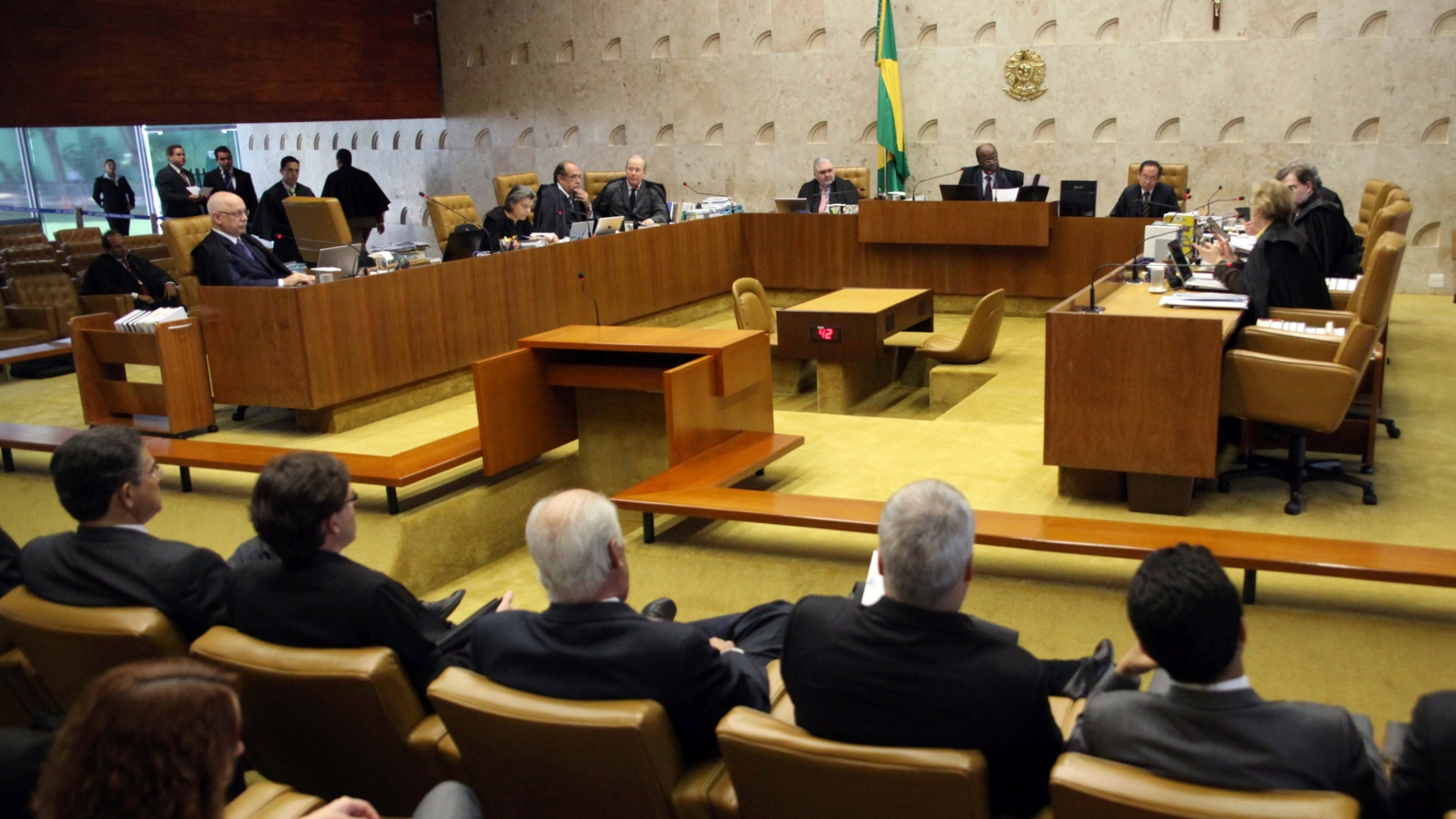 5.dez.2012 - Plenrio do STF (Supremo Tribunal Federal) durante a 50 sesso de julgamento do mensalo. A previso  de que os ministros analisem nesta quarta-feira a perda de mandato dos deputados condenados e os possveis ajustes nas penas e nas multas aplicadas