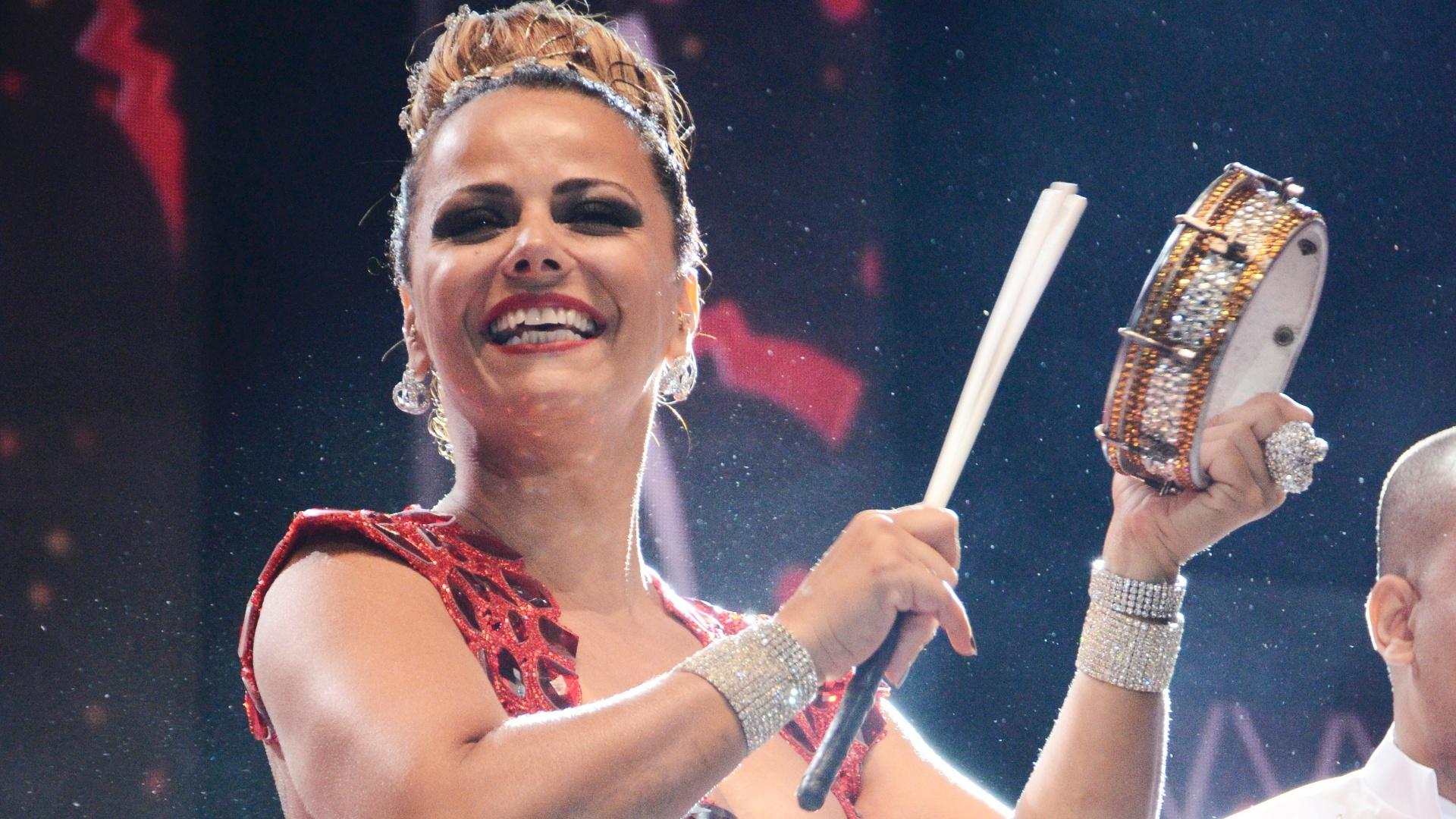 Viviane Araújo, rainha de bateria da Salgueiro, esteve presente no primeiro dia de gravações para a vinheta de Carnaval da Globo. Viviane também estará à frente da bateria da Mancha Verde, no Carnaval de São Paulo (4/12/12)