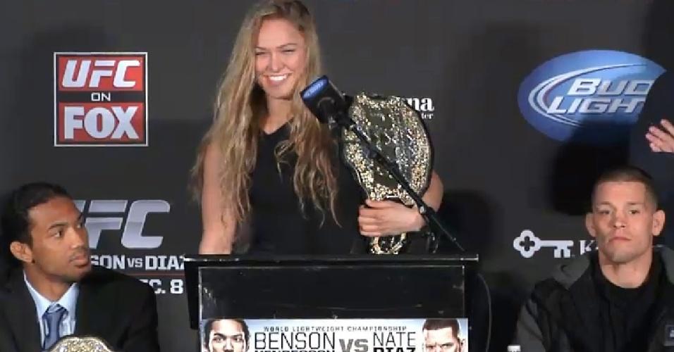 06.dez.2012 - Ronda Rousey é oficialmente apresentada como campeã do UFC