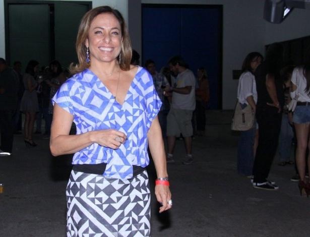"""5.dez.2012 - Cissa Guimarães no show de Zeca Pagodinho do DVD """"Vida Que Segue"""", que comemora 30 anos de carreira, no estúdio Frank Acker, na Barra da Tijuca, Rio de Janeiro"""