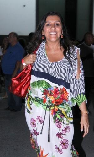 """5.dez.2012 - Regina Casé no show de Zeca Pagodinho do DVD """"Vida Que Segue"""", que comemora 30 anos de carreira, no estúdio Frank Acker, na Barra da Tijuca, Rio de Janeiro"""
