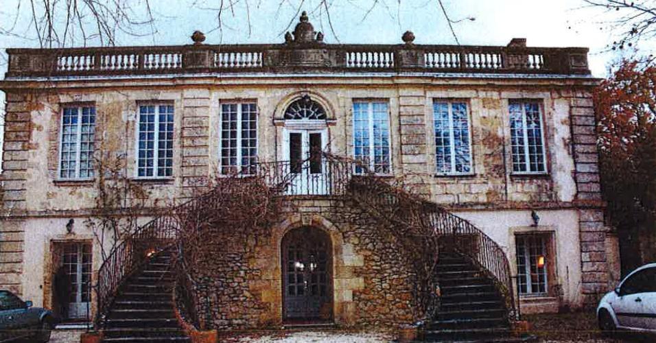 6.dez.2012 - Esta foto mostra a fachada do palácio do século 18 conhecido como Chateau de Bellevue, em Bordeaux, na França. O palácio foi demolido por engano por uma empresa de construção