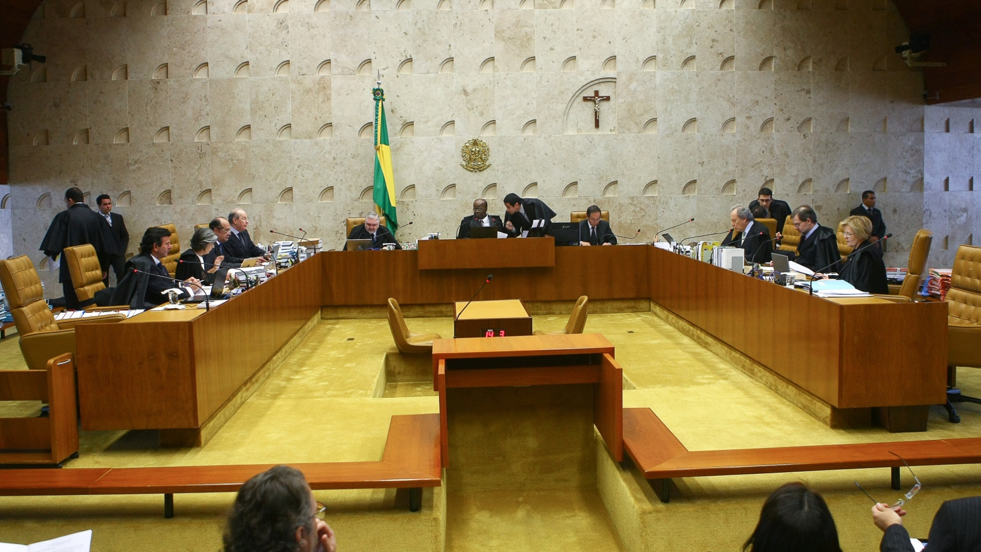 6.dez.2012 - Plenrio do STF durante sesso de julgamento do mensalo. Nesta quinta-feira (6), os ministros analisam a reviso do valor das multas aplicadas aos condenados no processo