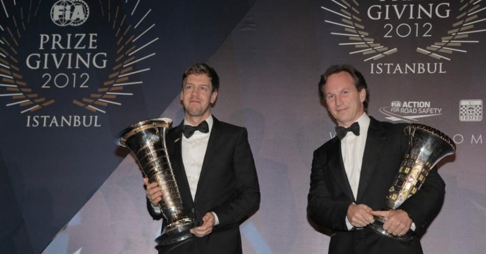 07.dez.2012 - Campeão do Mundial de Pilotos da Fórmula 1 de 2012, Sebastian Vettel recebeu o troféu em cerimônia de gala da FIA, depois de ter confirmado o título no GP do Brasil