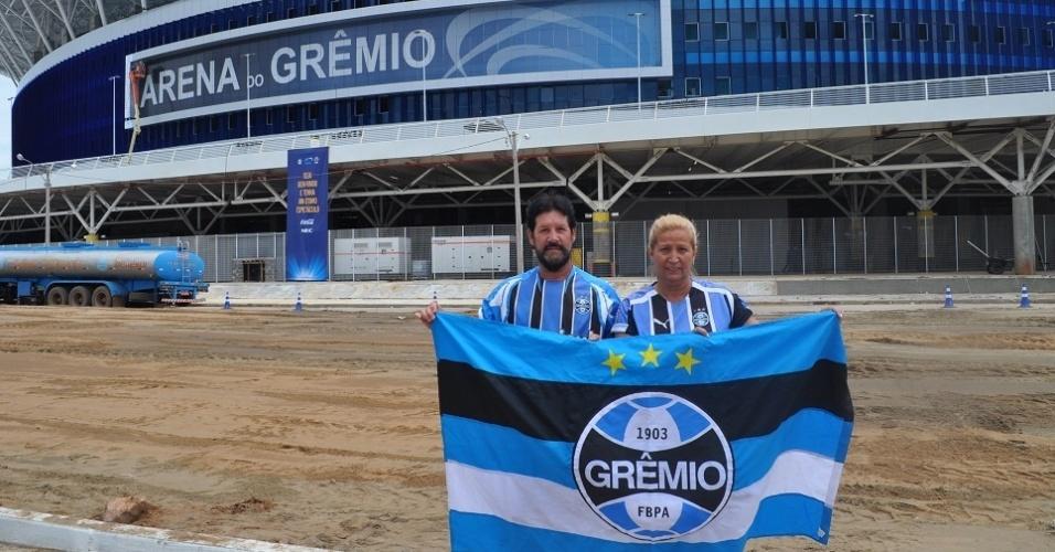 Casal de gremistas caminha 640 Km para assistir inauguração da Arena