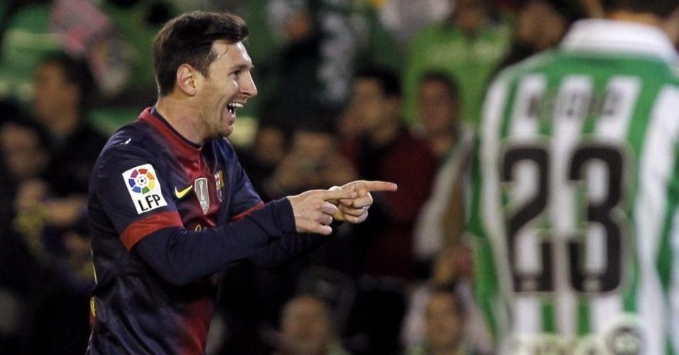 09.dez.2012 - Lionel Messi faz a festa após balançar as redes diante do Betis e quebrar mais um recorde na história do futebol