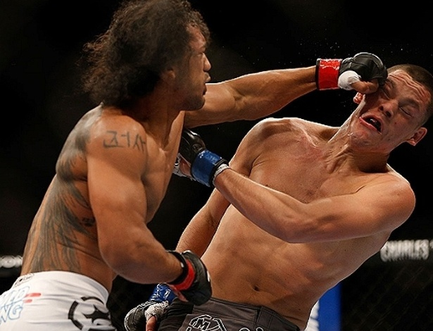 Ben Henderson atinge Nate Diaz na vitria por pontos no UFC on FOX 5