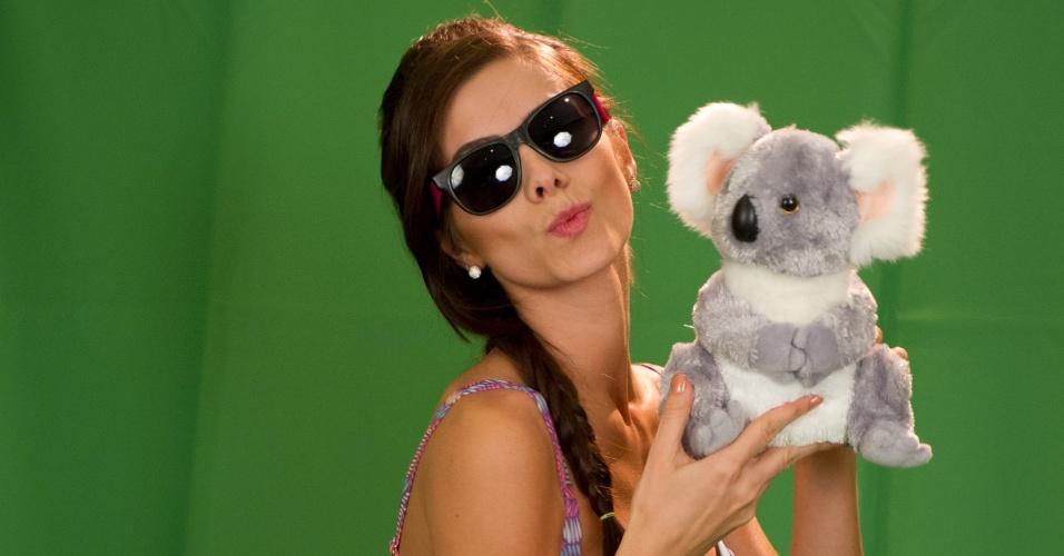 10.dez.2012 - A candidata brasileira ao Miss Universo 2012, Gabi Markus, charmosa e linda, faz fotos para propaganda de uma marca de traje de banho e bloqueadores solares