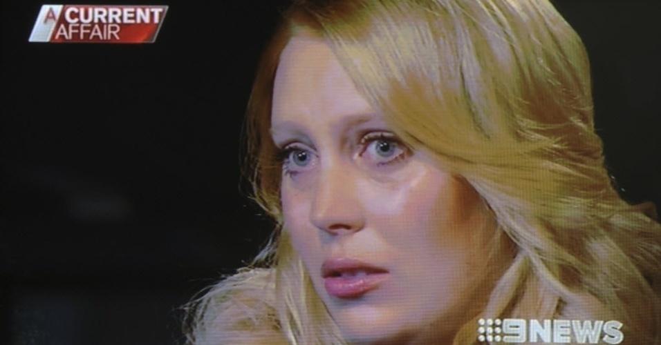 10.dez.2012 - A radialista Mel Greig é entrevistada em programa de TV na Austrália. Greig, juntamente com um colega de programa de rádio, foi quem passou um trote por telefone para a enfermeira de Kate Middleton, esposa do príncipe William. Dias depois, a enfermeira cometeu suicídio