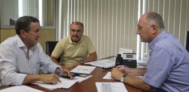 10dez2012 - Parreira, Murtosa e Scolari se reuniram na sede da CBF, no Rio de Janeiro