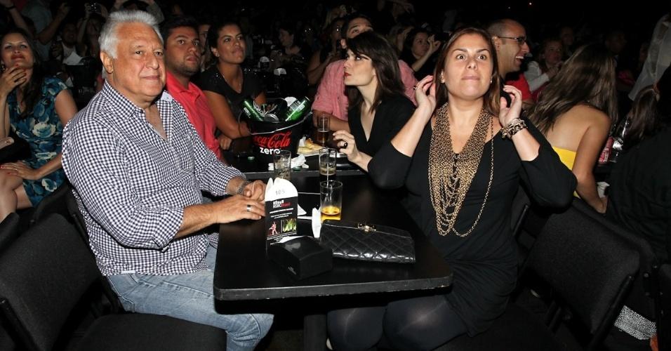 9.dez.2012 - Antonio Fagundes assiste ao último show de Sandy do álbum solo