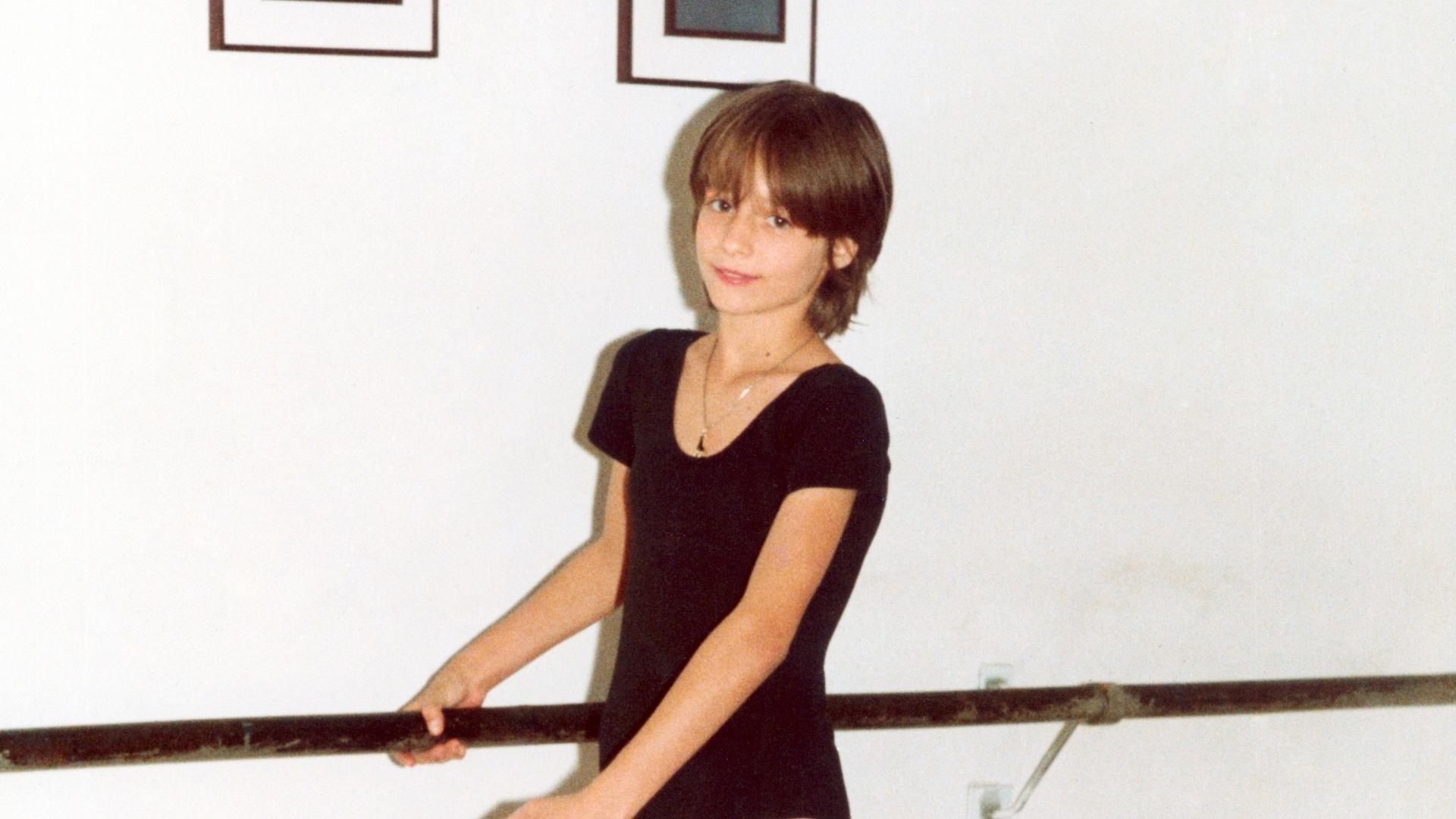 Luciana Vendramini aos 11 anos. A futura atriz passou a dar aulas anos mais tarde e foi chamada por Xuxa para se tornar paquita