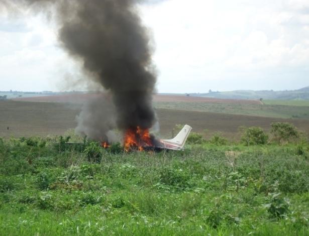 11.dez.2012 - Dois aviões bimotores caíram na região rural das cidades de Ibiá (foto) e Oliveira, em Minas Gerais, na tarde do dia 10 de dezembro