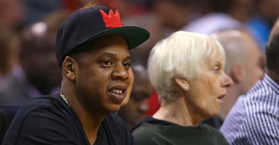O rapper Jay-Z assiste à partida entre Miami Heat e Atlanta Hawks na Flórida