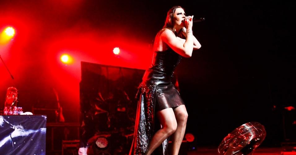 """12.dez.2012 - Com 16 anos de carreira e mais de 8 milhões de álbuns vendidos no mundo, o Nightwish divulga no pais seu CD mais recente, """"Imaginaerum"""""""
