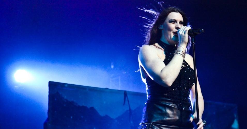 12.dez.2012 - O Nightwish, que se apresentou pela última vez no Brasil em 2008, vem com a cantora Floor Jansen, após a saída do grupo da vocalista Anette Olzon em outubro