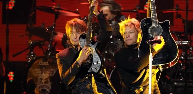 Richie Sambora e Jon Bon Jovi se apresentam em Nova York em dezembro de 2012
