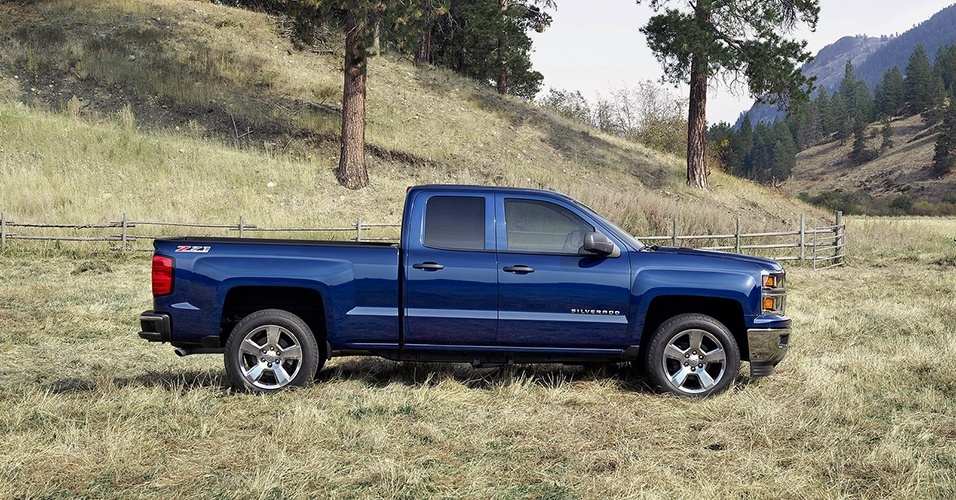 silverado 2014 with v6 vs v8 autos post. Black Bedroom Furniture Sets. Home Design Ideas