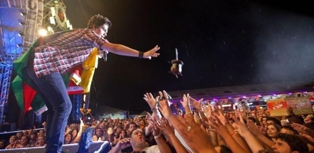 Luan Santana canta na edição de 2012 do Festival Planeta Atlântida