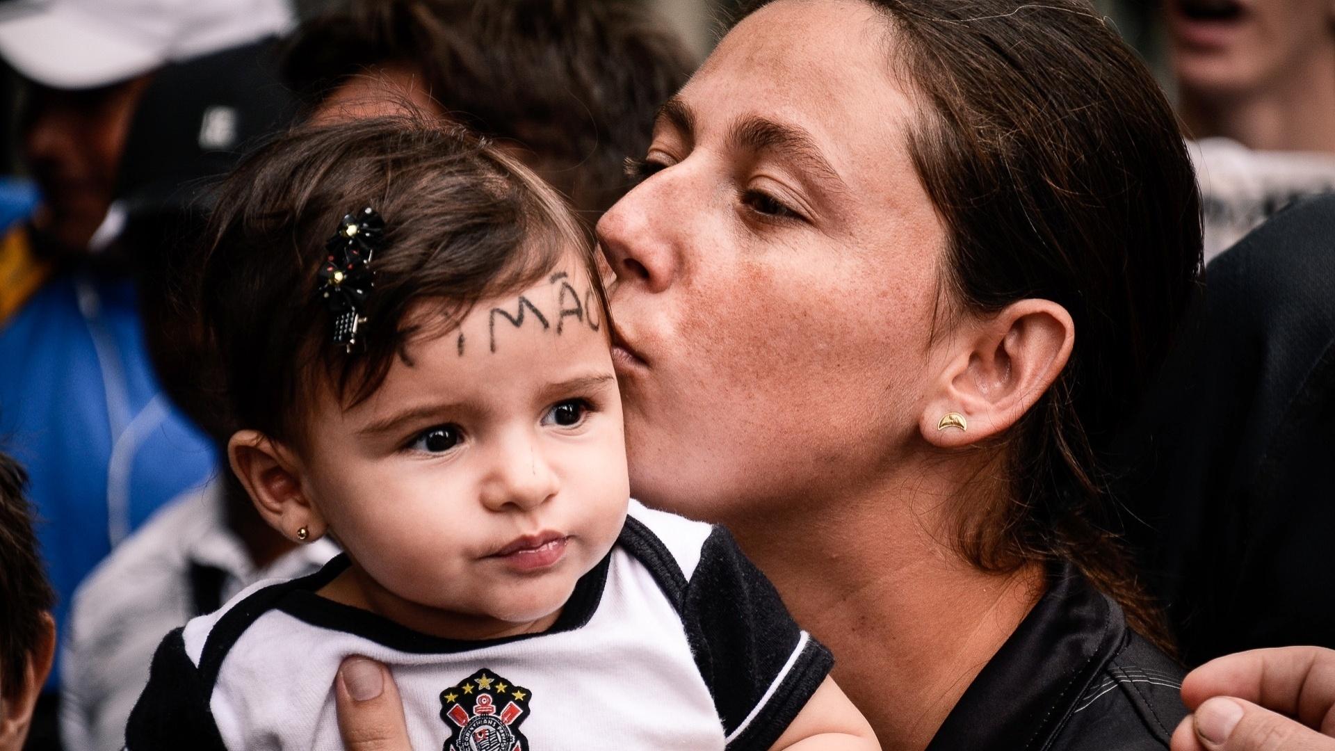 16.dez.2012 - Criança com um