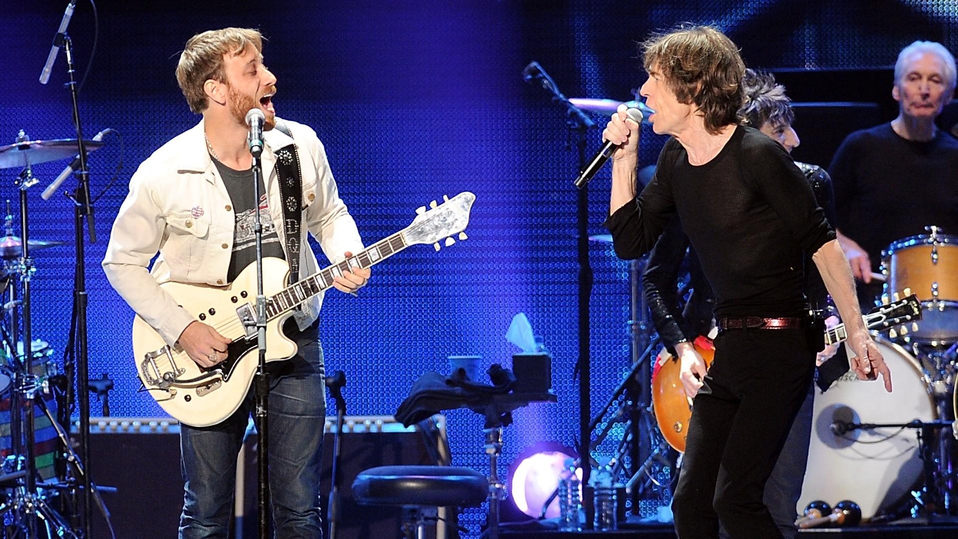 16.dez.2012 - O guitarrista Dan Auerbach, do The Black Keys, se apresentou com os Rolling Stones do último show da banda em comemoração aos 50 anos de carreira, nos EUA