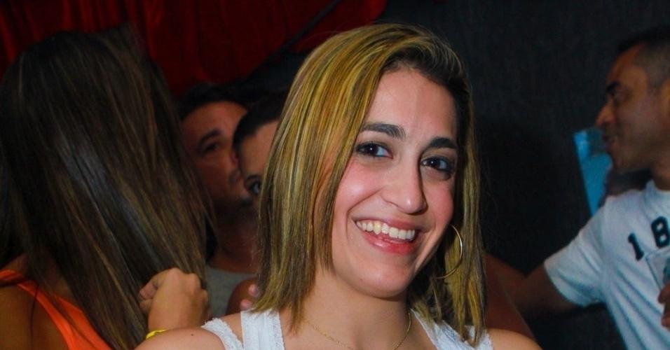 16 dez 2012 - Daniele Hypolito aproveita a balada VERÃO 021 na Barra da Tijuca, no Rio