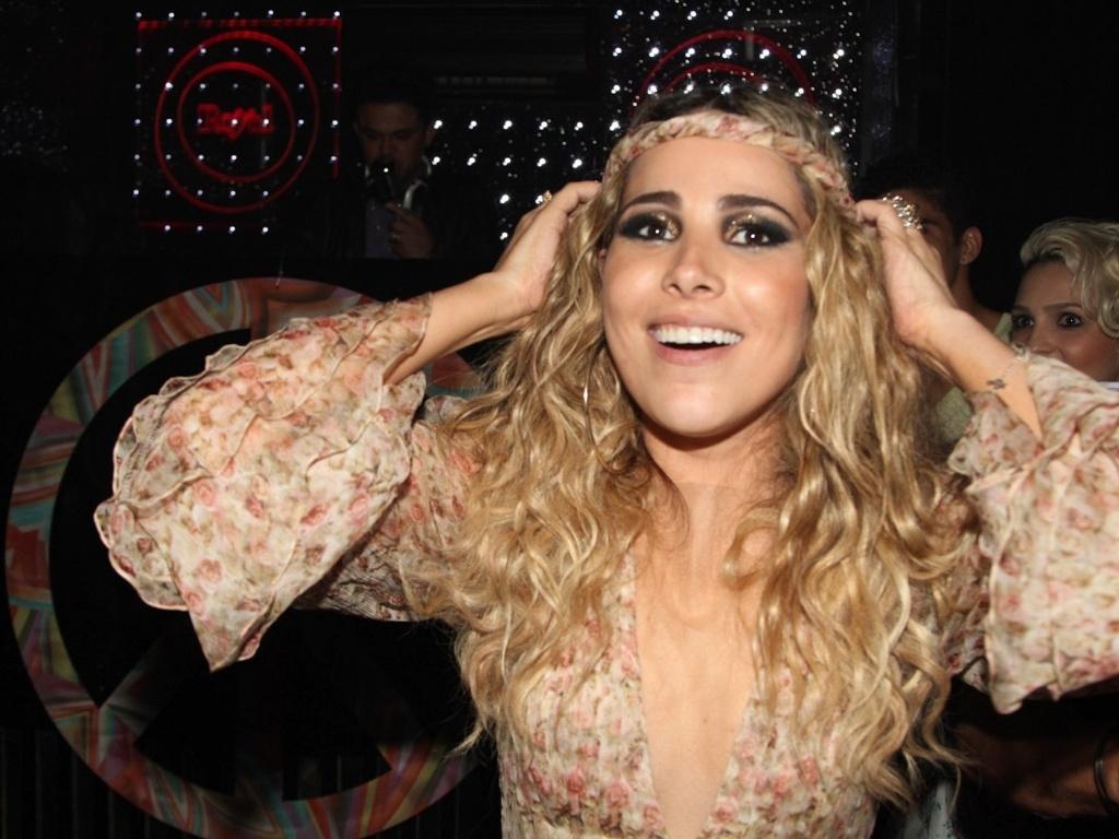 16.dez.2012 - A cantora Wanessa comemora seus 30 anos em festa no clube Royal, em São Paulo