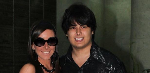 16.dez.2012 - Igor Camargo, irmão de Wanessa, e a namorada Amabylle foram à festa da cantora, que comemorou seus 30 anos no clube Royal, em São Paulo