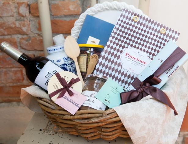 E pronto! Aí estão os produtos sugeridos pela doceira Juliana Motter arrumados em uma cesta e prontos para serem presenteados