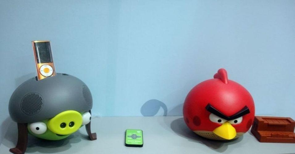 18.dez.2012 - Para os fãs da franquia Angry Birds, a Gear 4 oferece alto-falantes para amplificar a potência de produtos como o iPhone. Por U$ 80 (cerca de R$ 160)