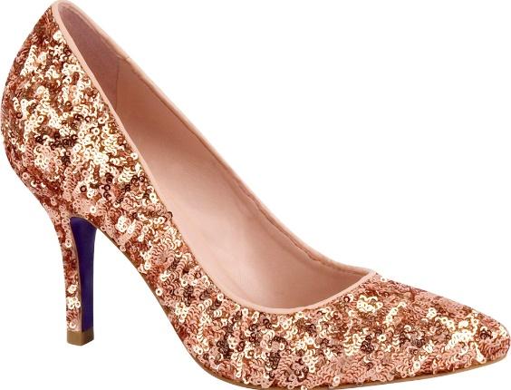 Escarpin com glitter. R$ 249, da Miezko (www.miezko.com.br). Preços consultados em dezembro de 2012 e sujeitos a alterações