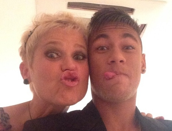 Neymar posta foto com Xuxa aps entrevista em Angra dos Reis