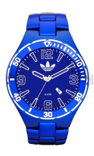 Relógio em alumínio azul. R$ 799, da Adidas (www.grupodumondsaab.com.br). Preços consultados em dezembro de 2012 e sujeitos a alterações