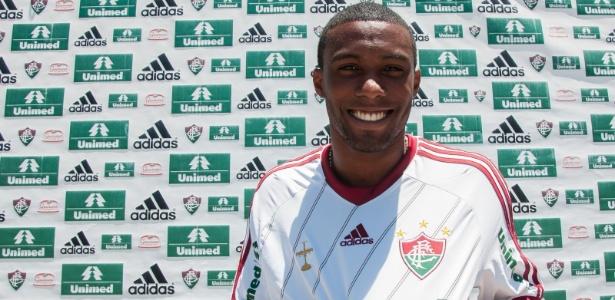Rhayner vestiu a camisa do Fluminense, mas só será apresentado em janeiro