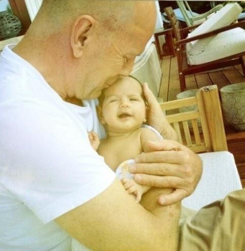 1.abr.2012 - A modelo Emma Heming Willis deu à luz Mabel Ray Willis, quarta filha do ator Bruce Willis, no dia 1° abril. Bruce já é pai de outras três meninas, Rumer, de 23 anos, Scout, de 20, e Tallulah, de 18, do relacionamento com a atriz Demi Moore