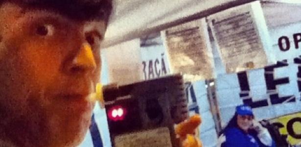 26.set.2012 - Mateus Solano é parado na blitz da lei seca