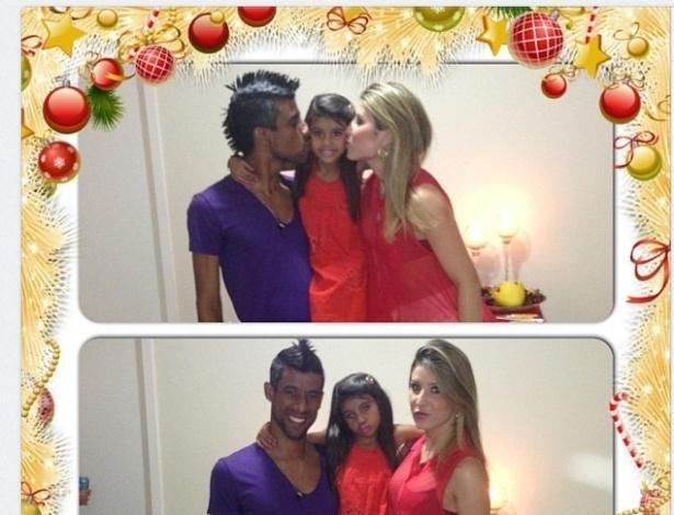 O flamenguista Léo Moura postou no Twitter uma foto dentro de um cartão de natal.