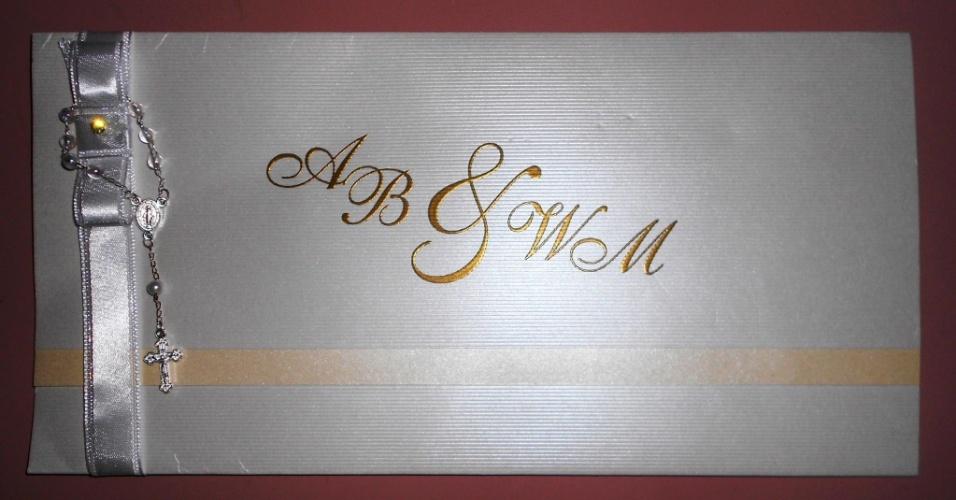 23.dez.2012 - Convite de casamento de Ângela Bismarchi e Wagner de Moraes