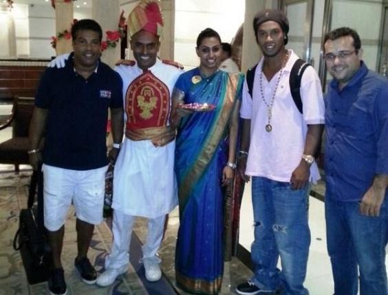 Ronaldinho Gaúcho postou foto na Índia, onde está para lançar um filme (27/12/2012)