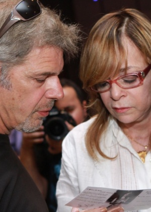 Em dezembro de 2012, Glória Perez e Raul Gazolla comparecem à missa dos 20 anos da morte de Daniella Perez