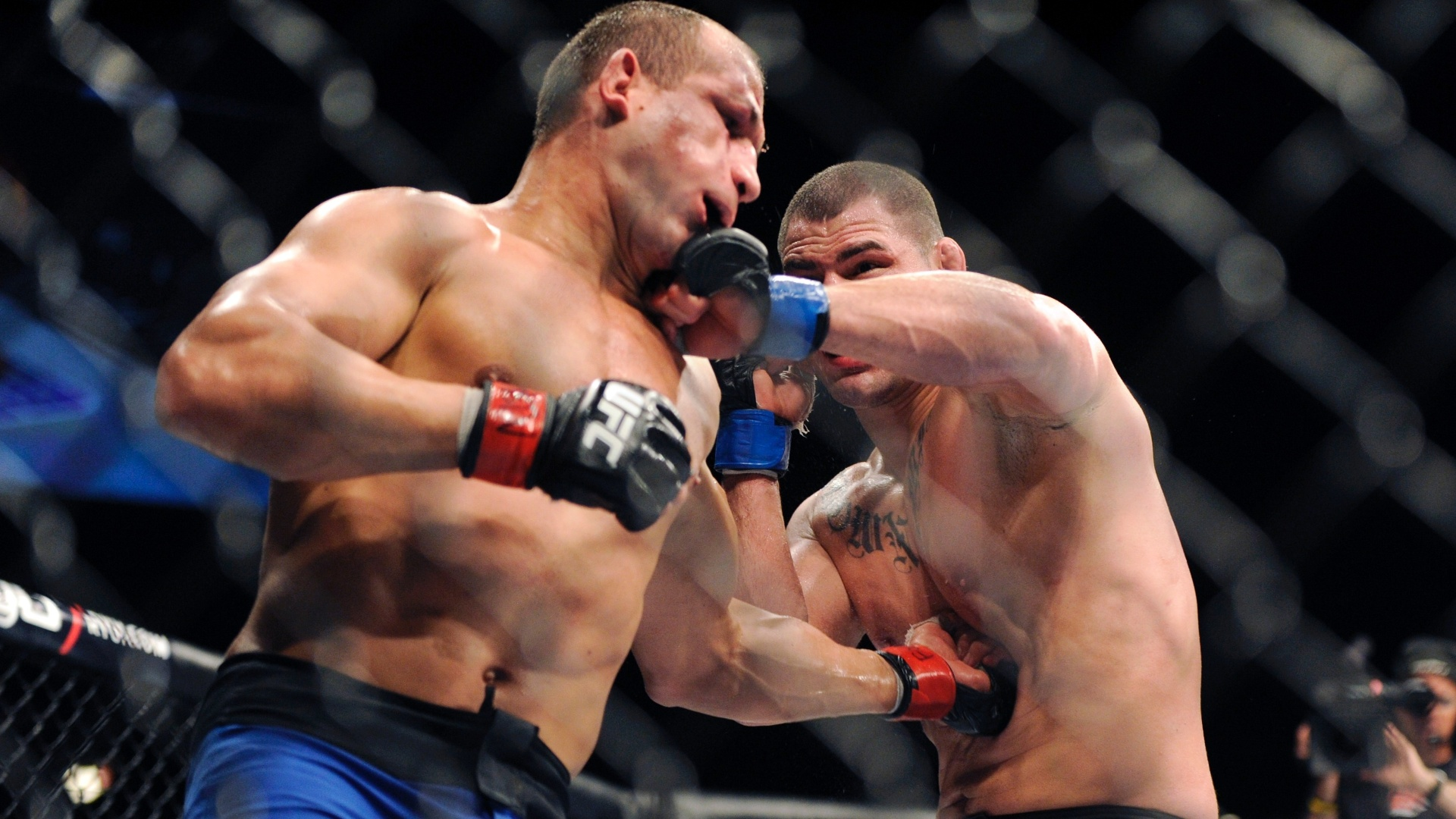 Luta completa UFC 155: Dos Santos vs Velasquez
