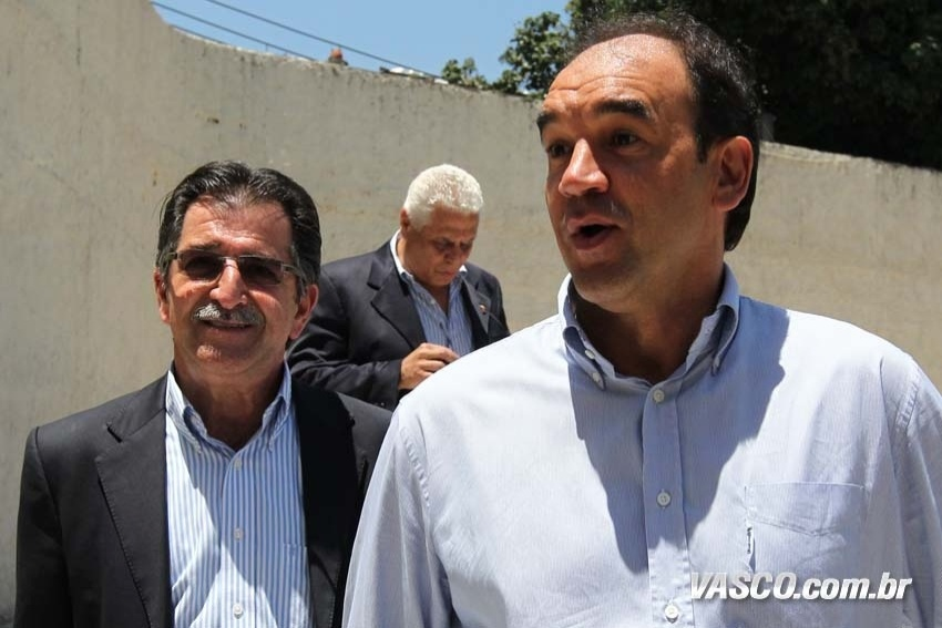 René Simões e Ricardo Gomes, dirigentes do Vasco, em São Januário (30/12/2012)