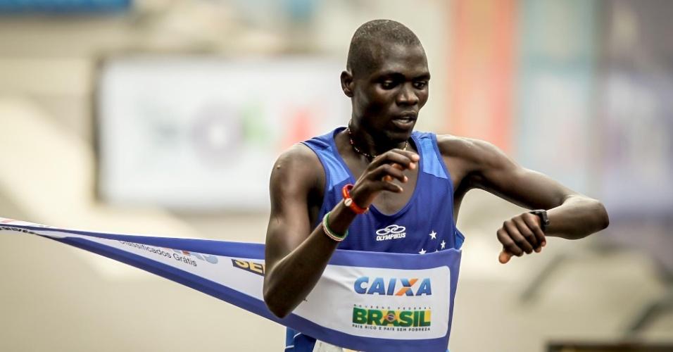 Joseph Aperumoi foi o segundo colocado na prova masculina