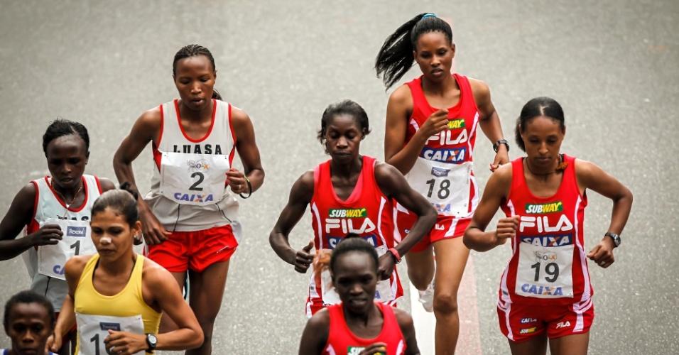 Participantes da elite feminina largam para a edição 2012 da São Silvestre