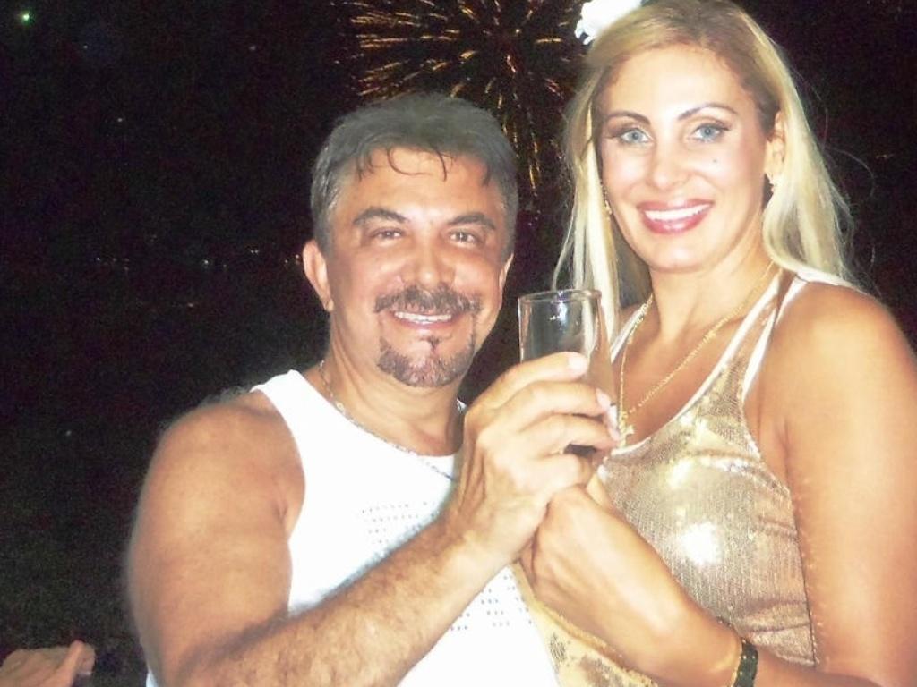 1.jan.2013 Ângela Bismarchi comemora a virada do ano ao lado do marido Wagner Moraes