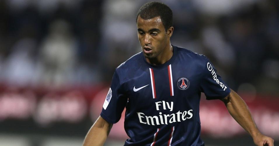 02.jan.2012- Lucas fez sua estreia com a camisa do PSG em amistoso do clube francês contra o Lekwiya, do Qatar