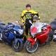 Suzane faz superteste da Suzuki Hayabusa e da Honda VFR 1200F; leia