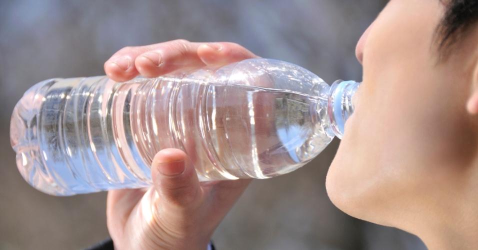 3.jan.2013 - A cidade de Concord, em Massachusetts, nos Estados Unidos, proibiu a venda de água em garrafinhas plásticas com menos de um litro