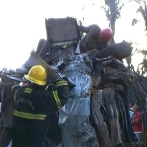 Acidente envolvendo um caminhão e um van deixa dez mortos e doze feridos no Piauí